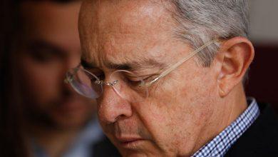 Photo of Detención domiciliaria para Álvaro Uribe Vélez ordenó Corte Suprema