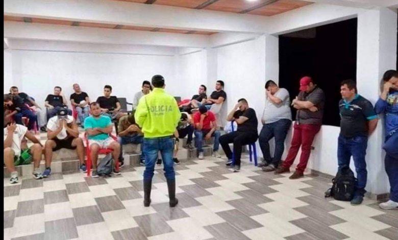 En Villavicencio realizaban fiesta sexual, capturan 42 personas 1