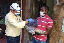 Algunos trabajadores del sector de la construcción recibieron kits nutricionales 15