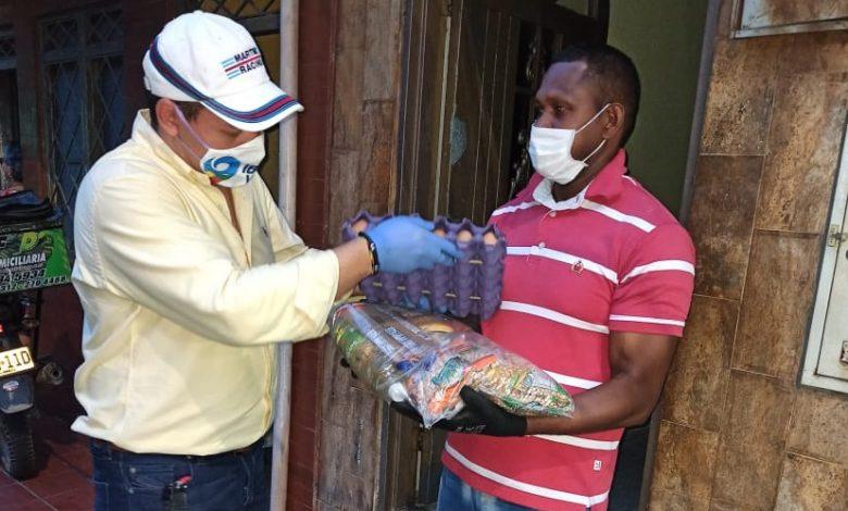 Algunos trabajadores del sector de la construcción recibieron kits nutricionales 1