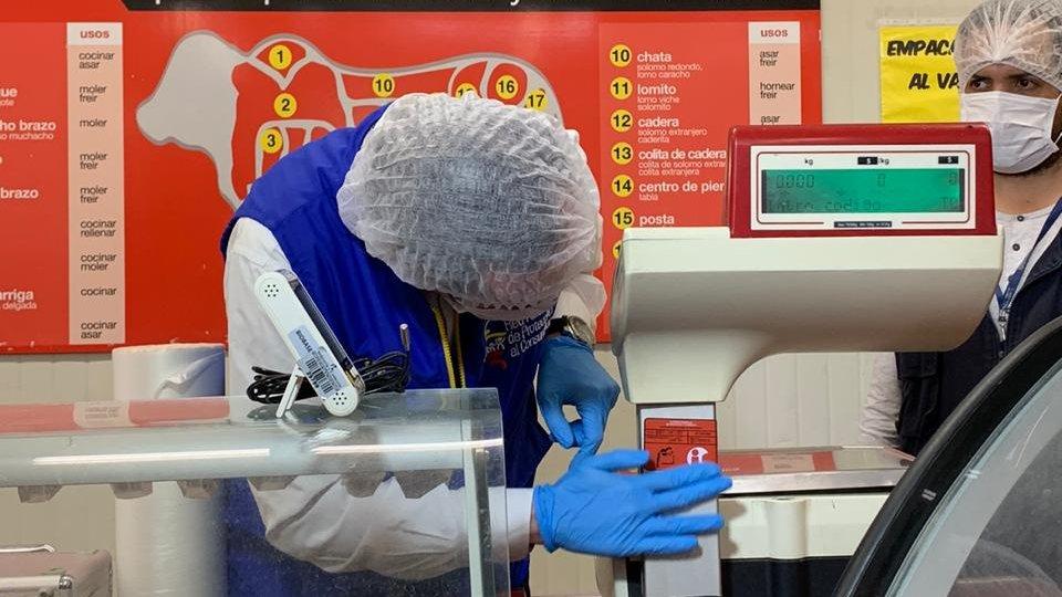 La SIC verificó las bombas de gasolina y supermercados de Ibagué 3