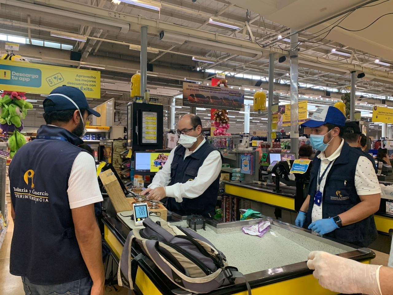 La SIC verificó las bombas de gasolina y supermercados de Ibagué 2