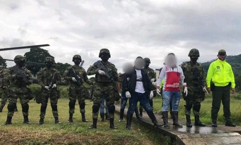 Con granadas y armamento capturan a disidentes de las FARC 1