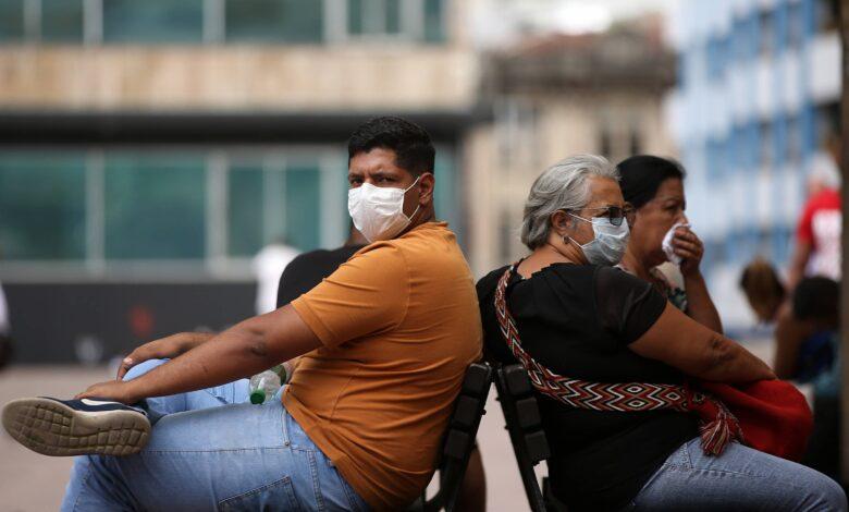 El coronavirus sigue disparado, más de 900 casos reportados 1