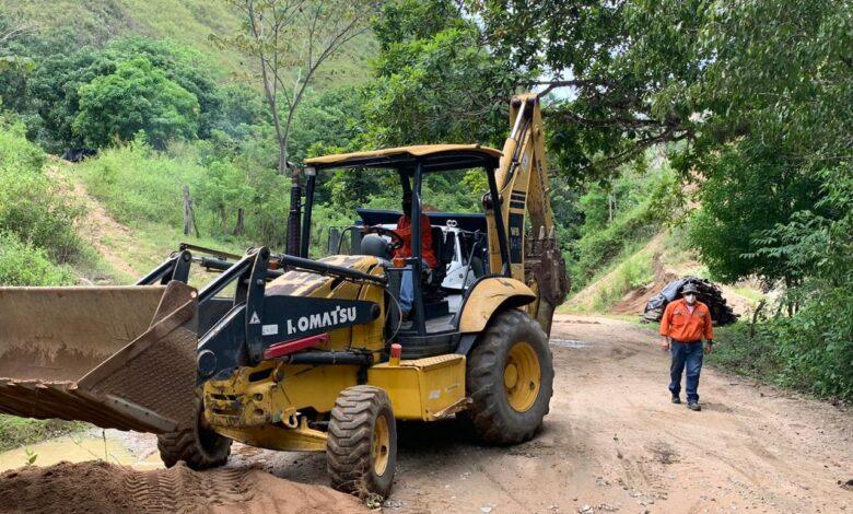 En la vía Rovira-Roncesvalles se atiende emergencia por derrumbes 1