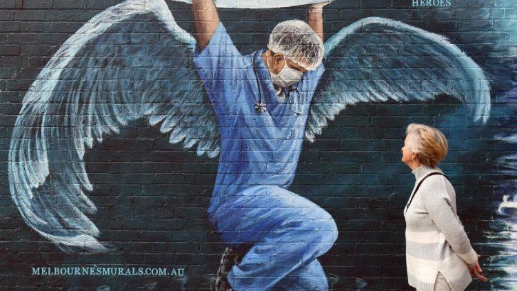 El Papa envió mensaje solidario a enfermeros en su día 3