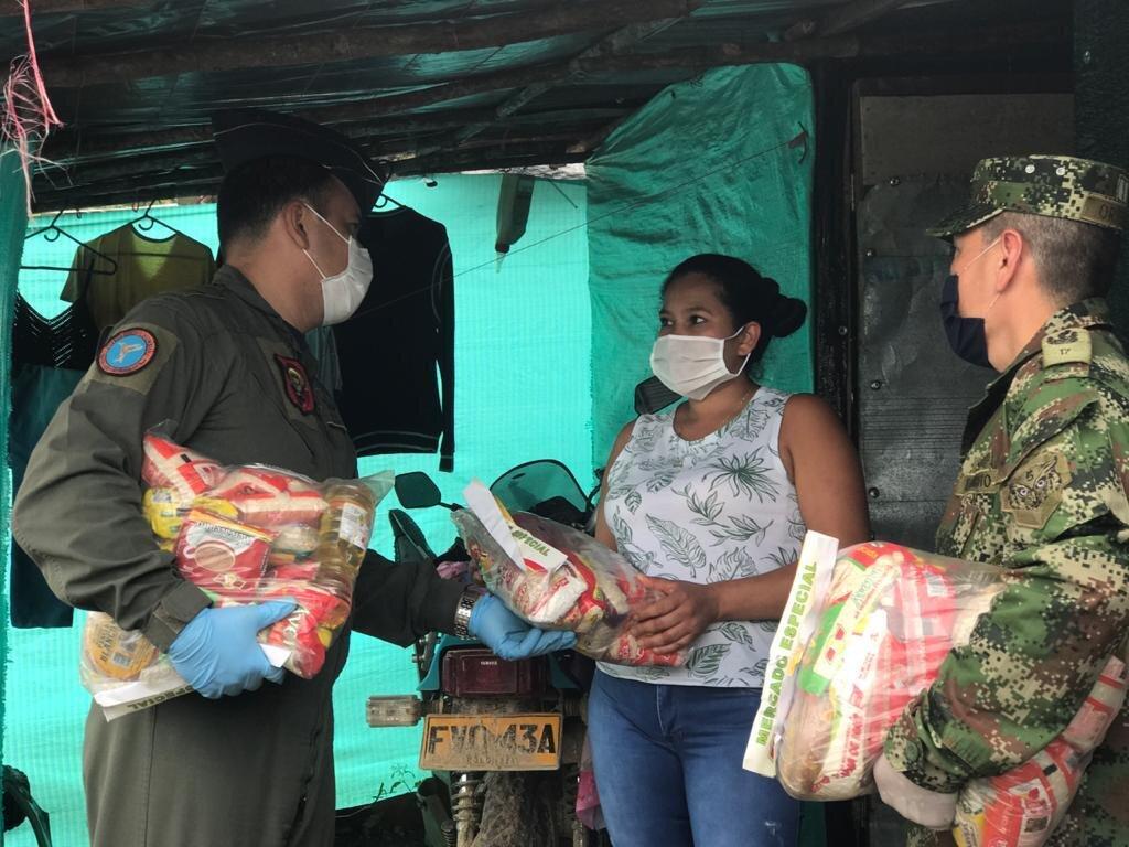 Mercacentro, Ejército y Fuerza Aérea se unieron para beneficiar a familias vulnerables 2