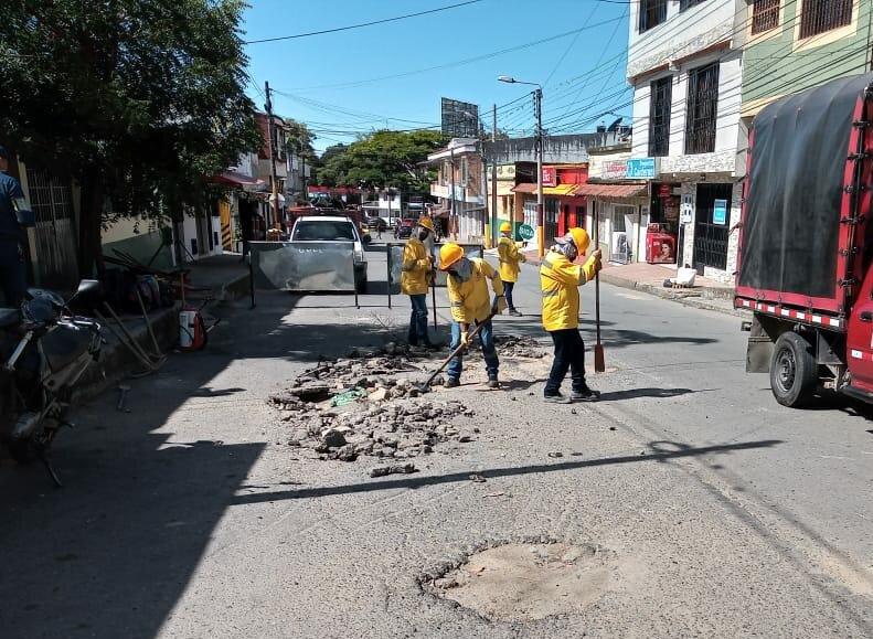 Invertirán más de $6 mil millones para mejorar las vías en mal estado de Ibagué 2