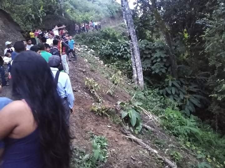 Conductor salió ileso de accidente en Abismo de Ortega Tolima 3