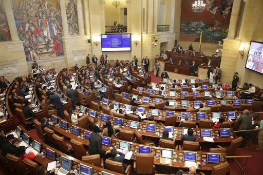 Presunto tráfico de influencias tiene en líos a varios congresistas 5
