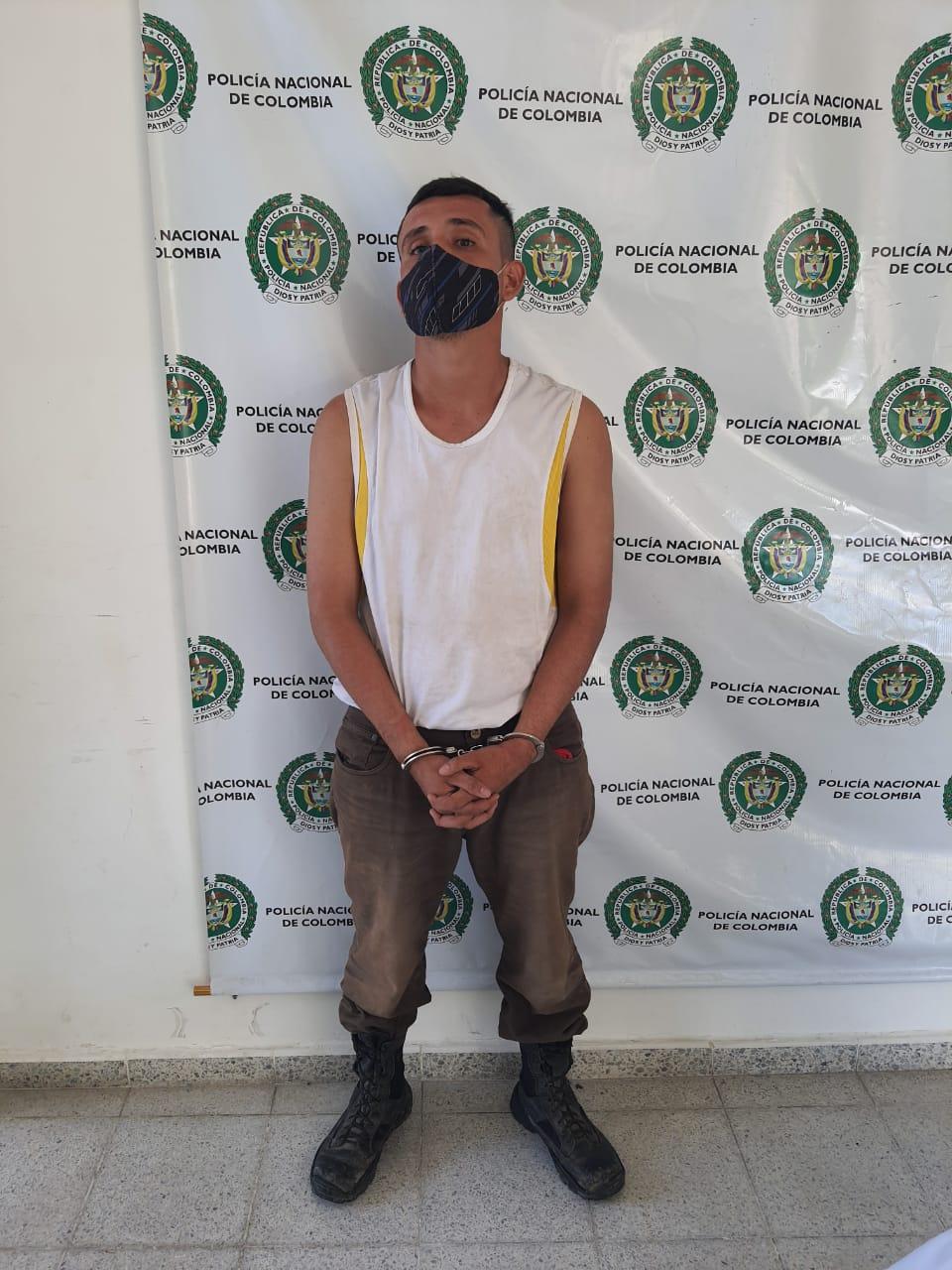 Éste es el pirata terrestres que secuestro 20 agricultores el fin de semana en Venadillo 4