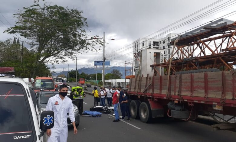 Nuevo accidente en el sector del Poblado deja una victima fatal 1