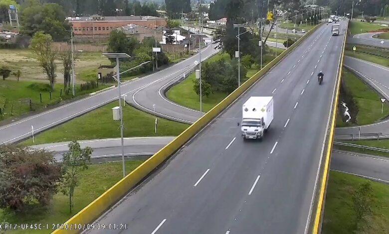 En video quedó registrada la muerte de un ciclista que fue arrollado por un camión 1