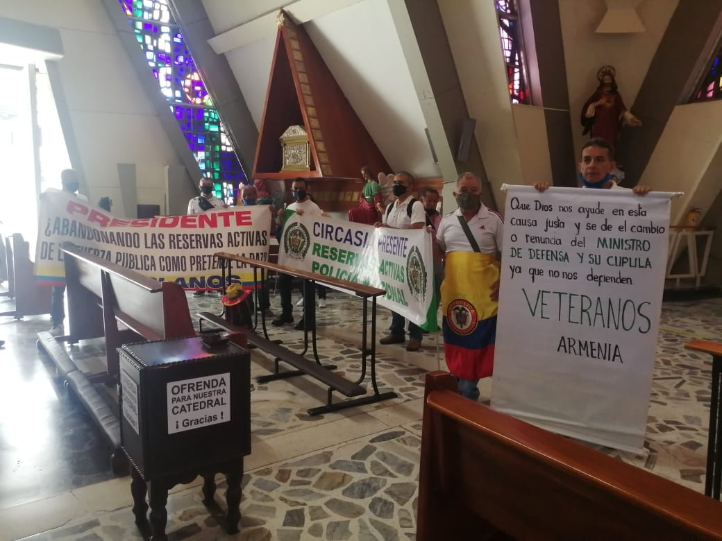 Reserva activa de las Fuerzas Militares se declaran en protesta Nacional 11