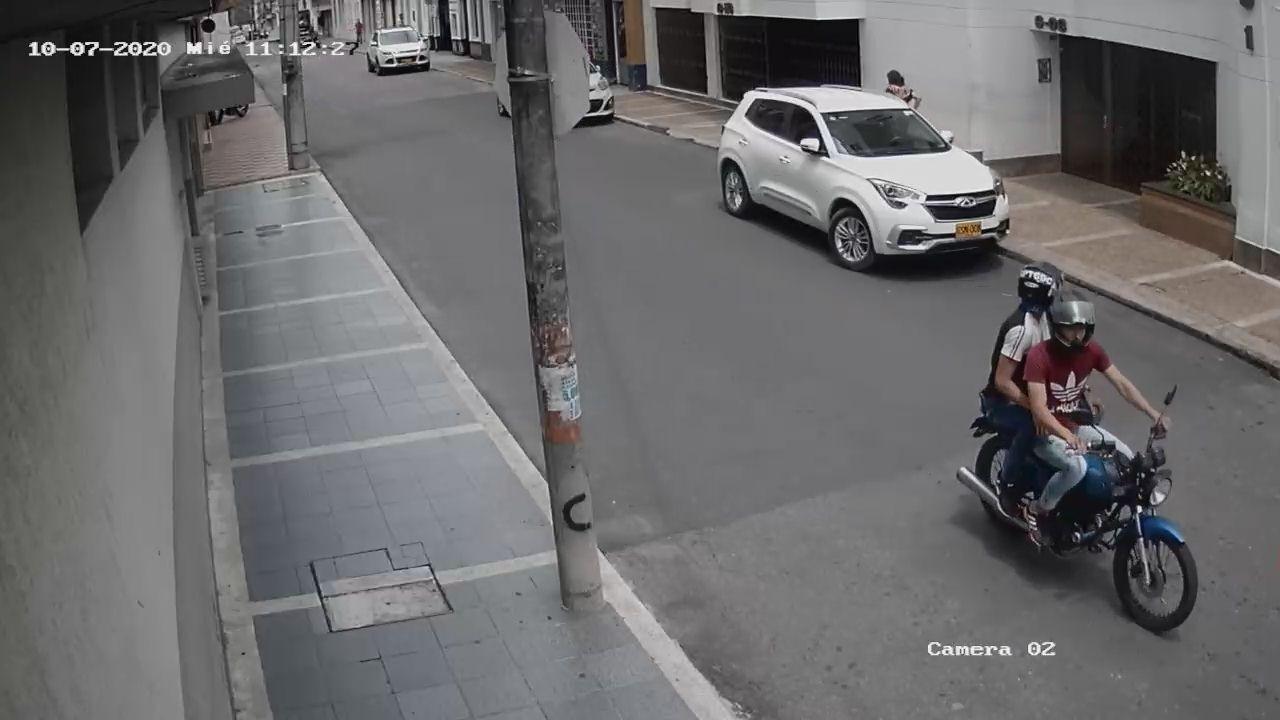 Otro robo en moto, esta vez la víctima fue una trabajadora del diario El Nuevo Día 4