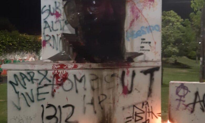 Inician investigaciones ante vandalismo en el monumento de Andrés López de Galarza 1