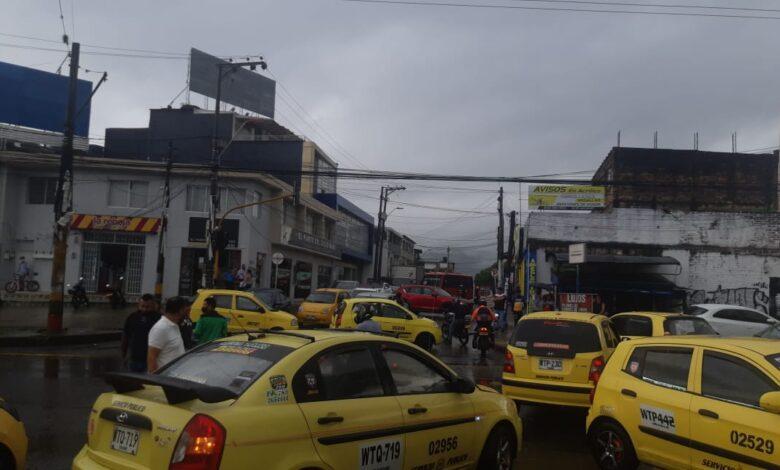 A esta hora taxistas de Ibagué bloquean algunos sectores de la ciudad 5