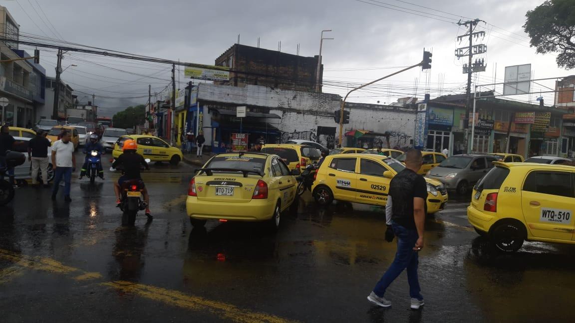 A esta hora taxistas de Ibagué bloquean algunos sectores de la ciudad 6