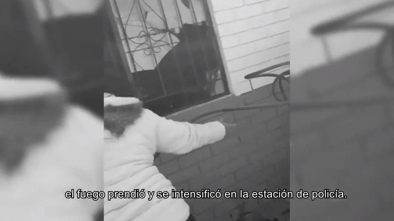 """""""Habían más de 20 policías y dejaron que los 9 muchachos se quemaran """"Familiar 2"""