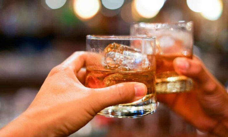 Alcaldía levantó restricción de consumo de licor, pero mantiene toque de queda 1