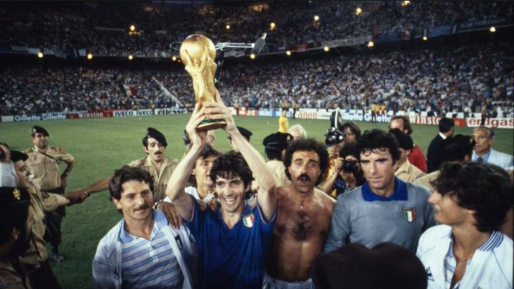 Muere otra leyenda del fútbol mundial, Paolo Rossi. 1