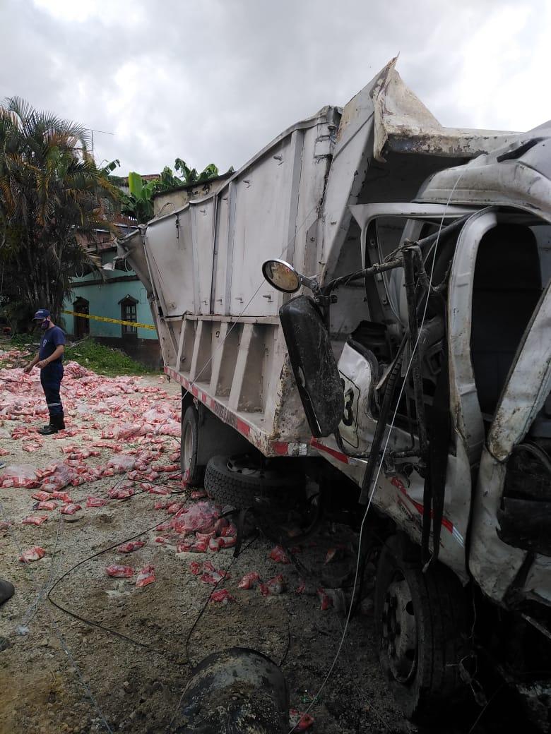 Auxiliar de conductor falleció tras accidente de Volqueta en Dolores 5