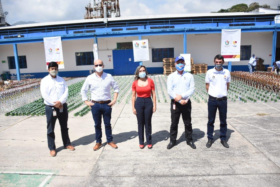 24 mil 100 unidades de botellas de licor adulterado y de contrabando destruidas en el Tolima 2