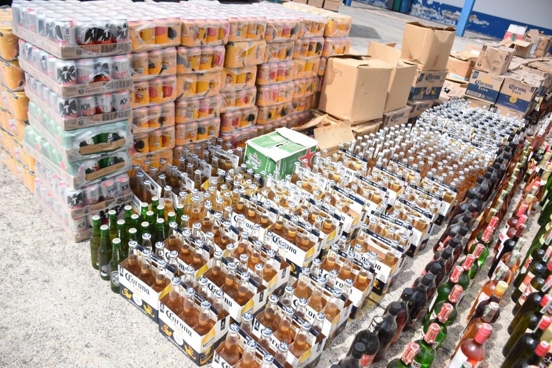 24 mil 100 unidades de botellas de licor adulterado y de contrabando destruidas en el Tolima 10