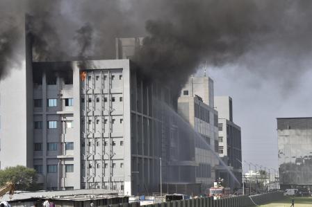 Mueren cinco personas en incendio de una de las instalaciones de mayor producción de vacunas del mundo 1