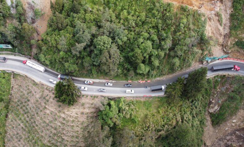 Alto de la Línea presenta congestión tras habilitación de la vía. 1