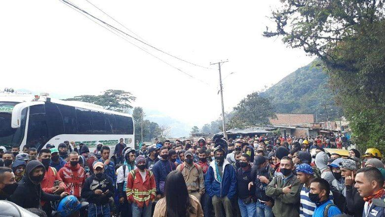 Por falta de pago del salario, trabajadores del Túnel de la Línea paralizaron la vía 1