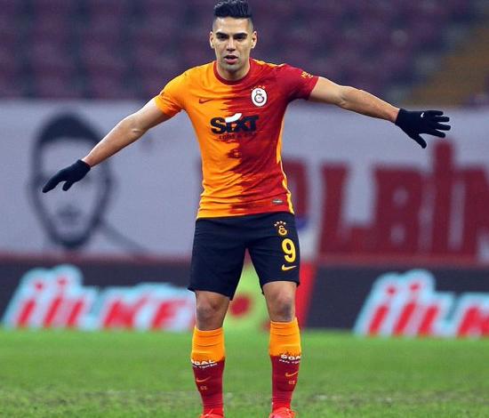 Después de 2 meses el Tigre Falcao Garcia regresó a las canchas. 1