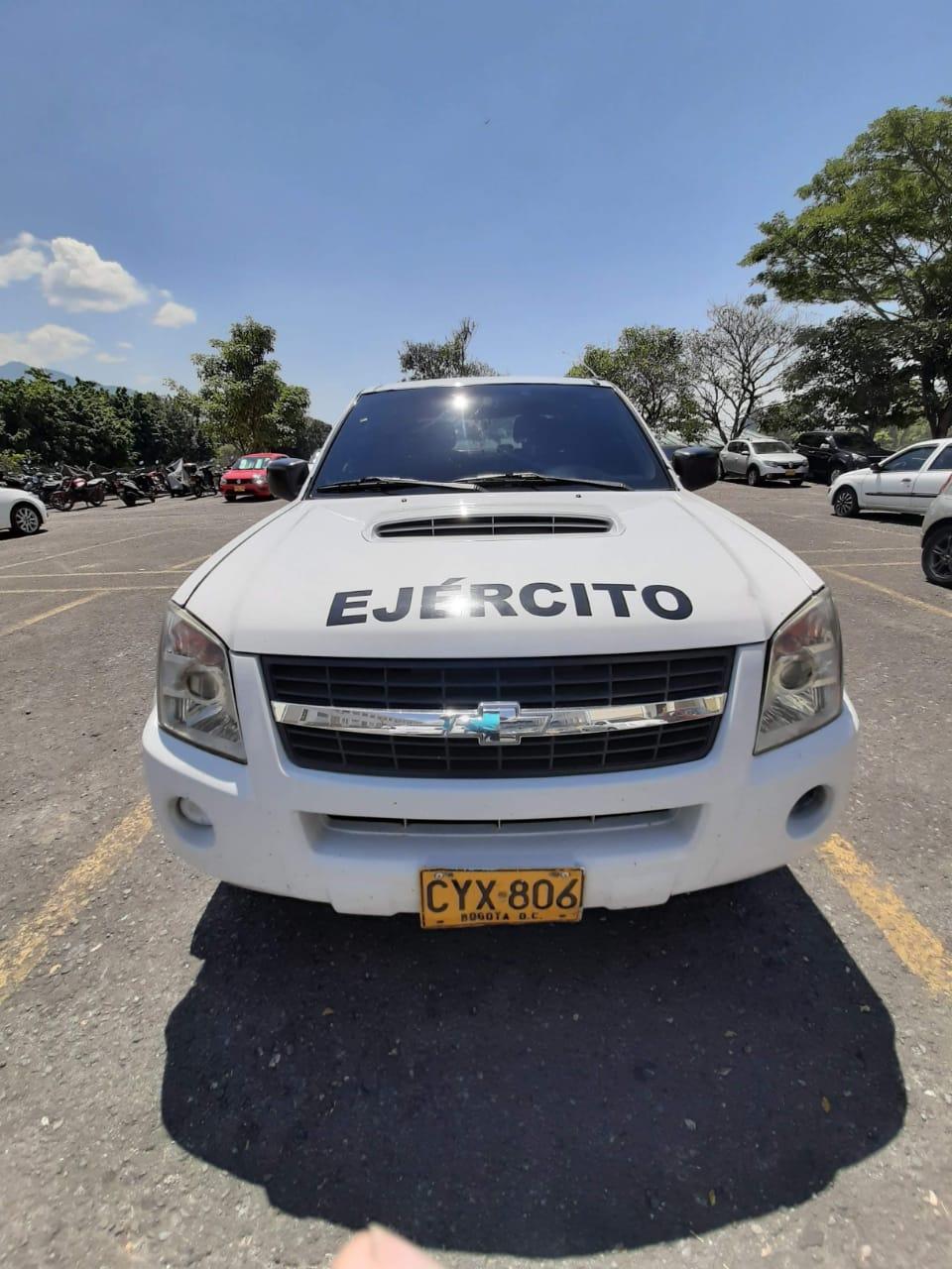 Se robaron la camioneta del comandante de CENAE en Ibagué 4