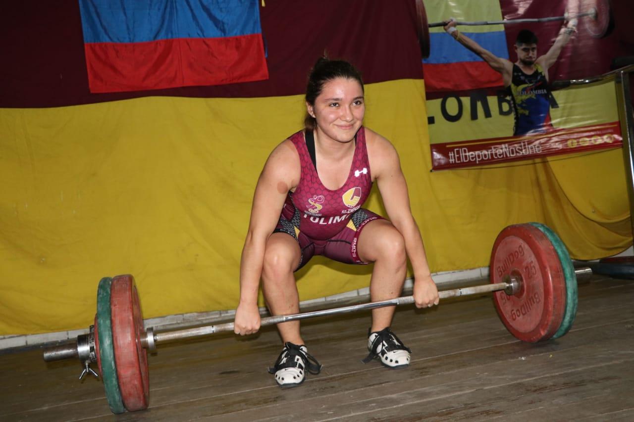 Con positivos resultados la liga de pesas comenzó el año de competencias. 6
