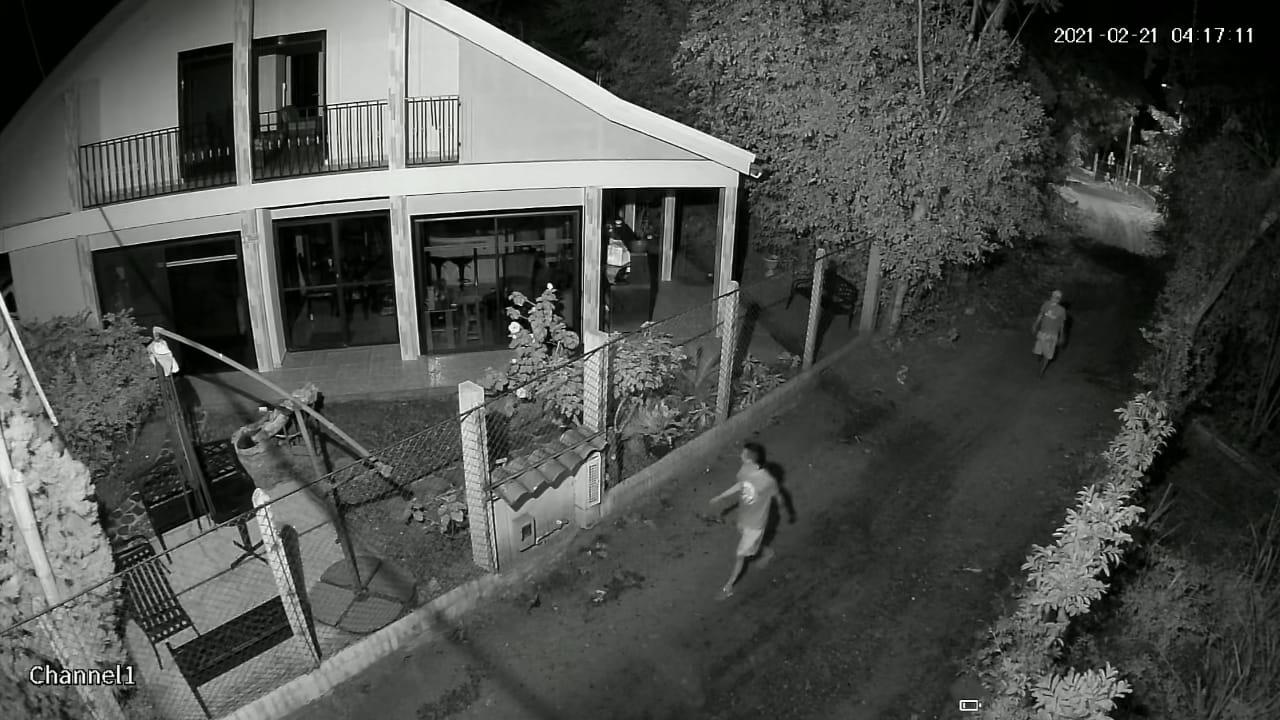 Ladrones en Chucuní se llevaron hasta las llaves de los carros 2