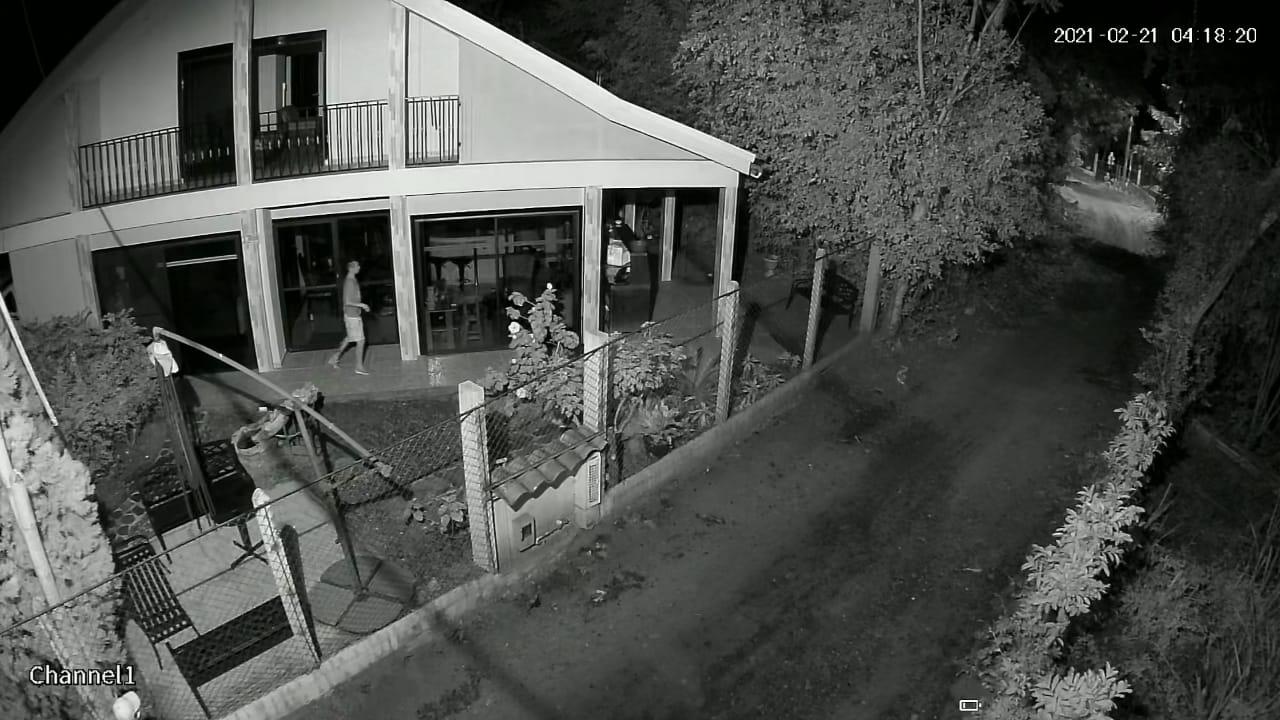 Ladrones en Chucuní se llevaron hasta las llaves de los carros 7