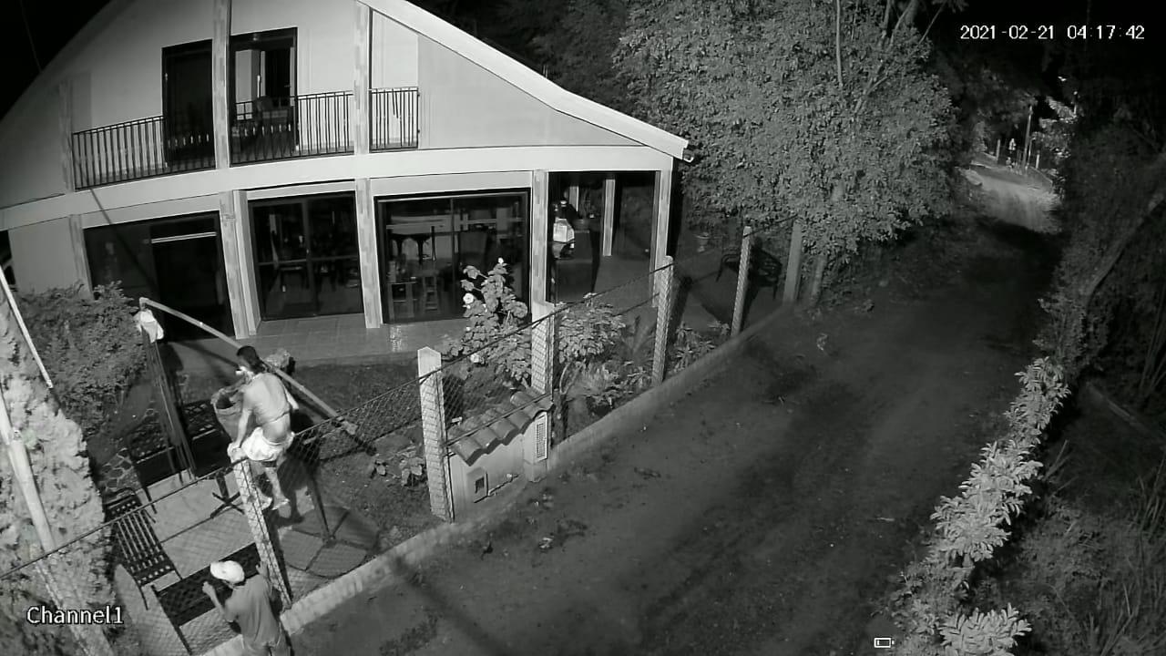 Ladrones en Chucuní se llevaron hasta las llaves de los carros 4