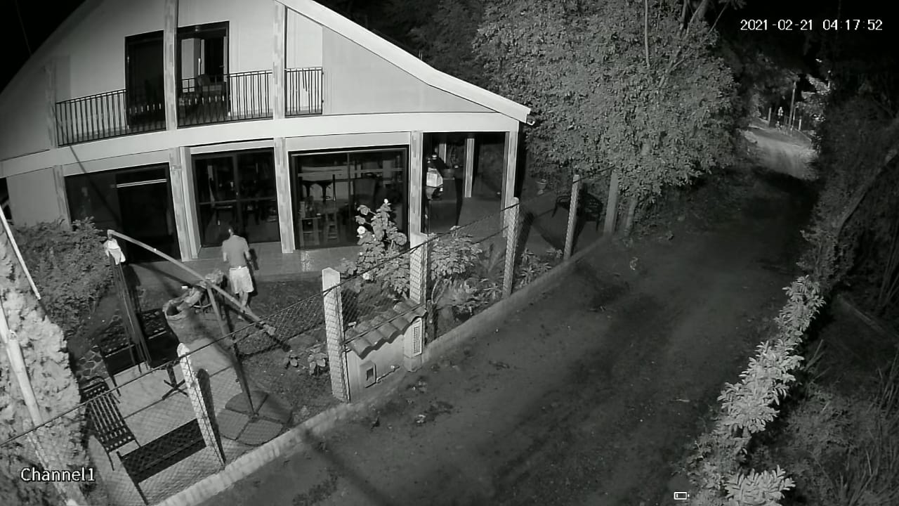 Ladrones en Chucuní se llevaron hasta las llaves de los carros 6