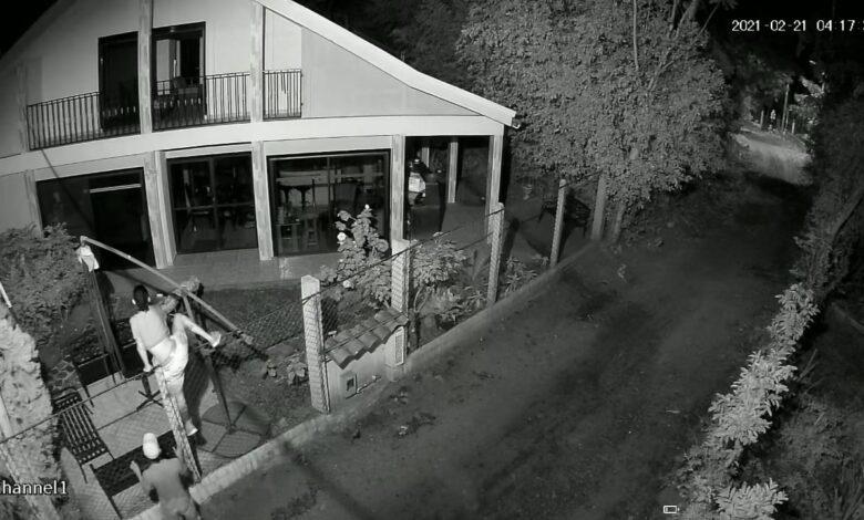 Estas imágenes son de una vivienda a la cual los delincuentes ingresaron pero no lograron hurtar ningún elemento.