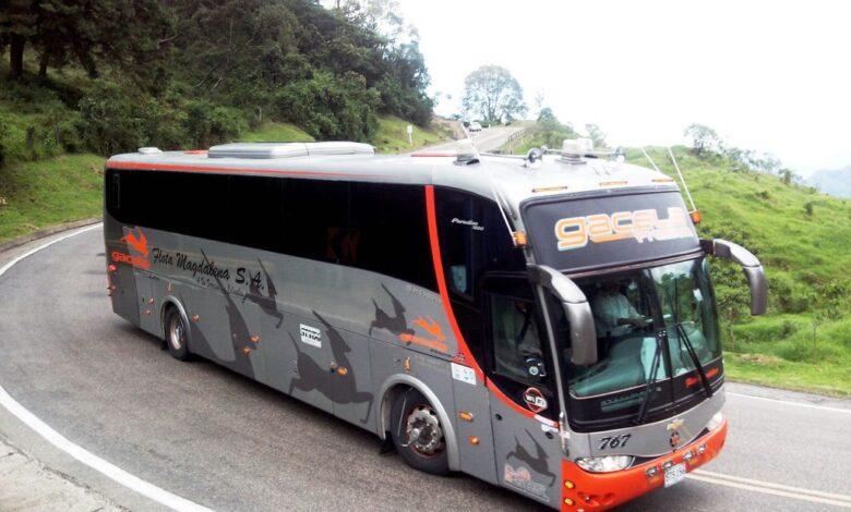 Autoridades investigan muerte de mujer con Covid-19 en un bus intermunicipal 1