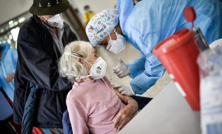 Avanza jornada masiva de vacunación en adultos mayores en Ibagué 1
