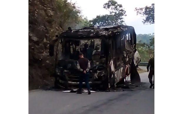Queman bus en Ituango, Antioquia 1