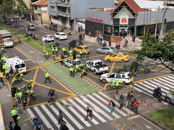 Muere patrullero al tratar de detener delincuentes en Bogotá 4