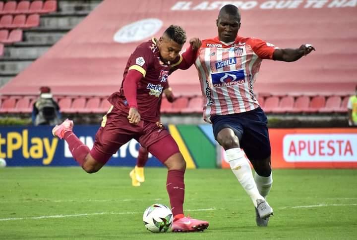 Deportes Tolima cayó por la mínima diferencia ante Júnior en Ibagué. 6