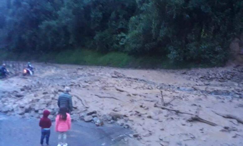Habilitan paso en la vía Fresno- Manizales tras derrumbe 1