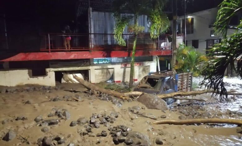 Quebrada Dadeiba dejó bajo las piedras y el lodo más de 200 casas en Antioquia 1