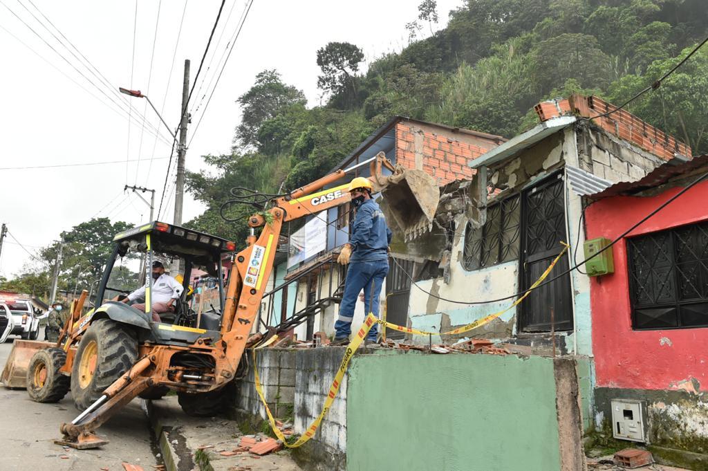 Así fue la demolición de las ollas del microtráfico en Ibagué 4