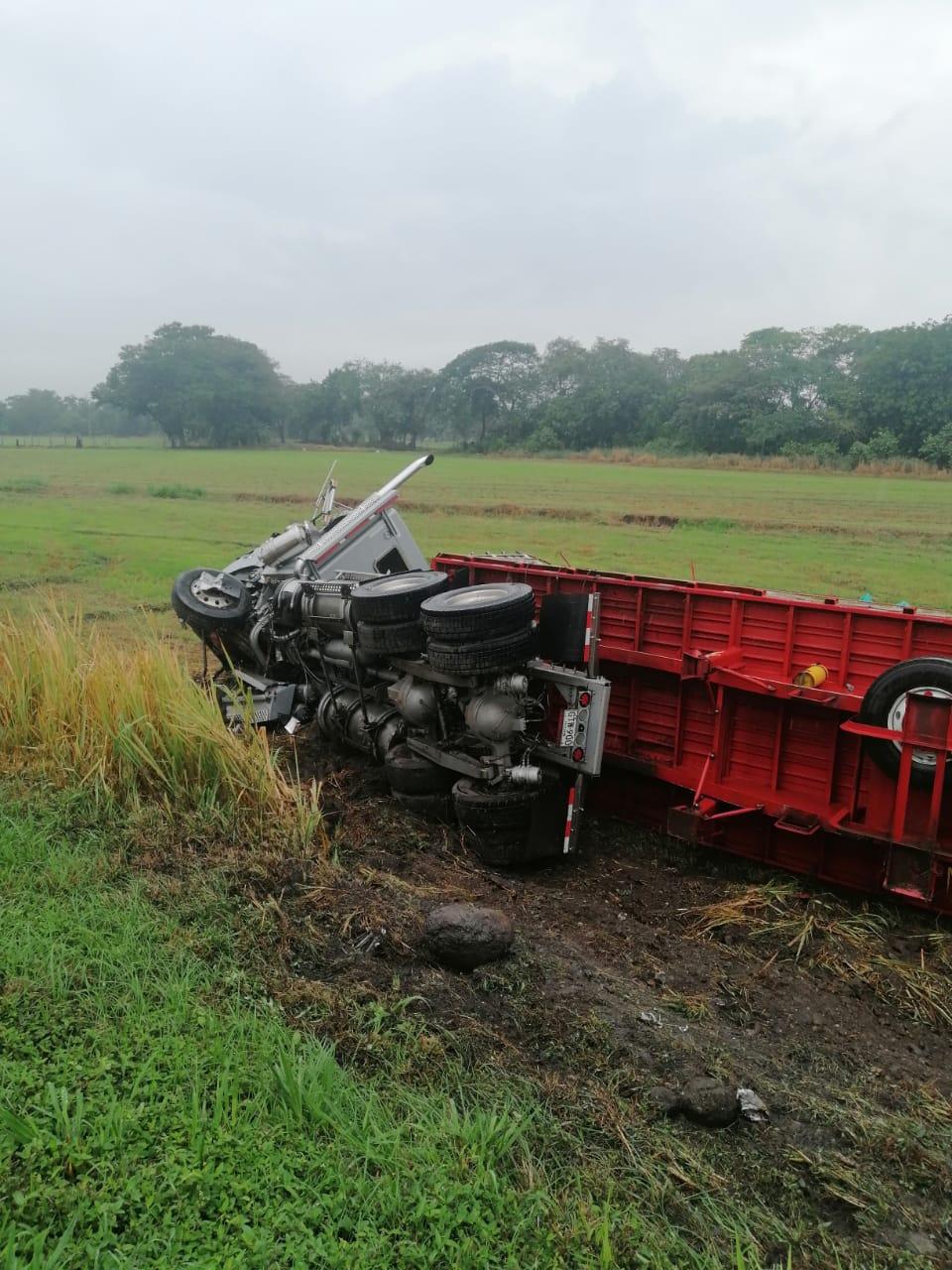 Aerován de Rápido Tolima chocó contra tractocamión en Lérida Tolima 2