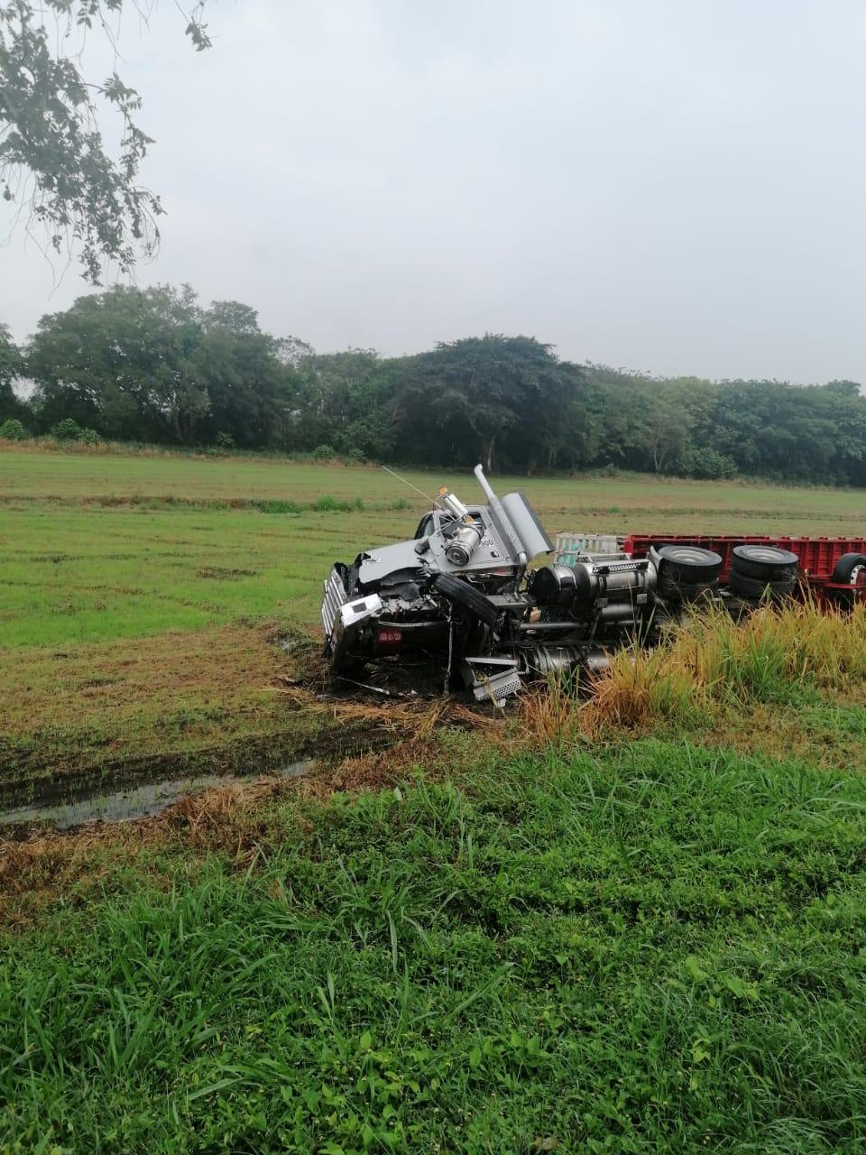 Aerován de Rápido Tolima chocó contra tractocamión en Lérida Tolima 5