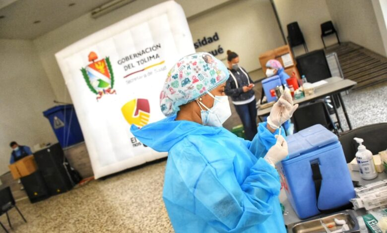 Tolima inicia vacunación en personas mayores de 75 años 1